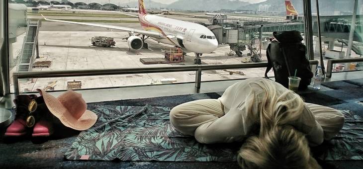6 Airport Yoga Stretches Revolutionising Travel Health [Free Yoga Guide PDF]