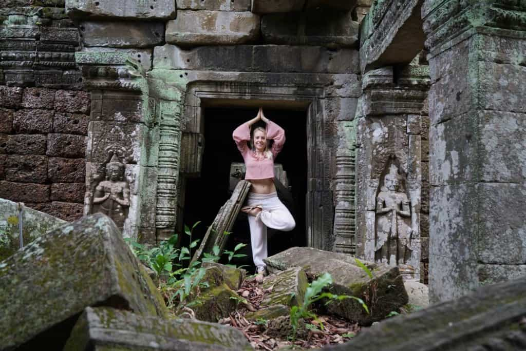 Yoga Cambodia Yoga Photo: Angkor Wat Tour Guide 8